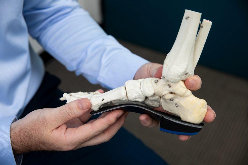 Daniel Graham Expert Customised Orthotics Sydney | Hip Pain Sydney | How to fix knee pain
